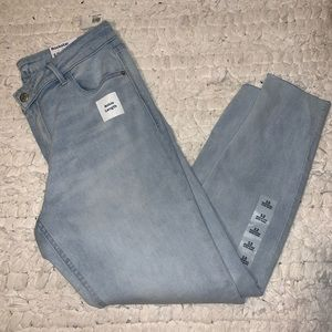 Brand new light wash old navy jeans
